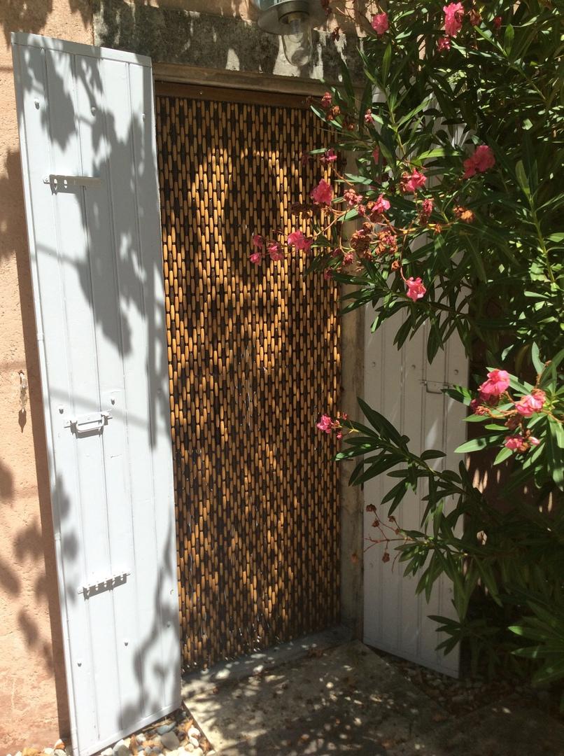 rideaux buis en perles marrons. rideau de porte en buis marron. buis ...